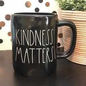 💥2/$30💥 Rae Dunn black KINDNESS MATTERS mug